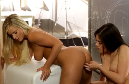 Marry Queen Enjoys in Lesbian Game With Little Caprice