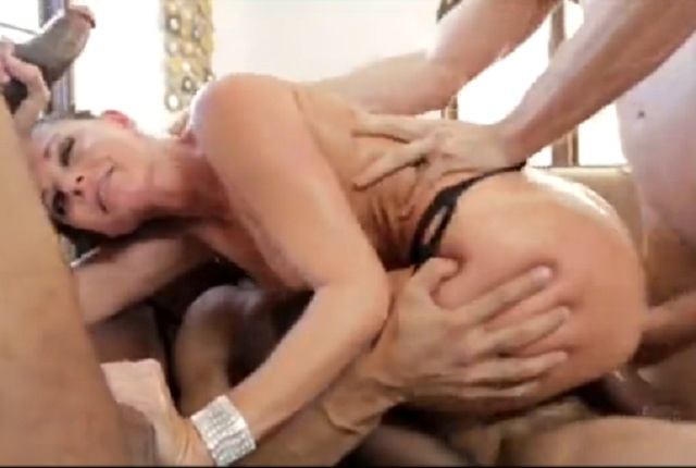 Sexy bitch India Summer gets a triple penetration in gang bang