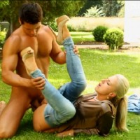 Beautiful blonde in tight jeans gets outdoor pounding