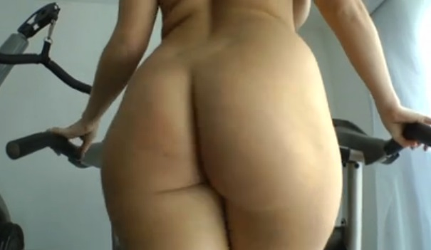 Curvy MILF Sophie Dee on a treadmill before hard sex
