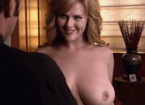Big tits of celebrity Sara Rue
