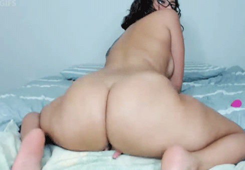 nude latina orgasm gif