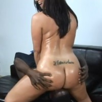 Booty MILF Kelly Divine blacked