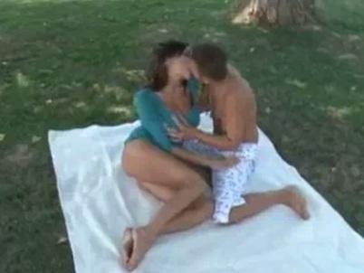 Sensual Jane fucked at picnic