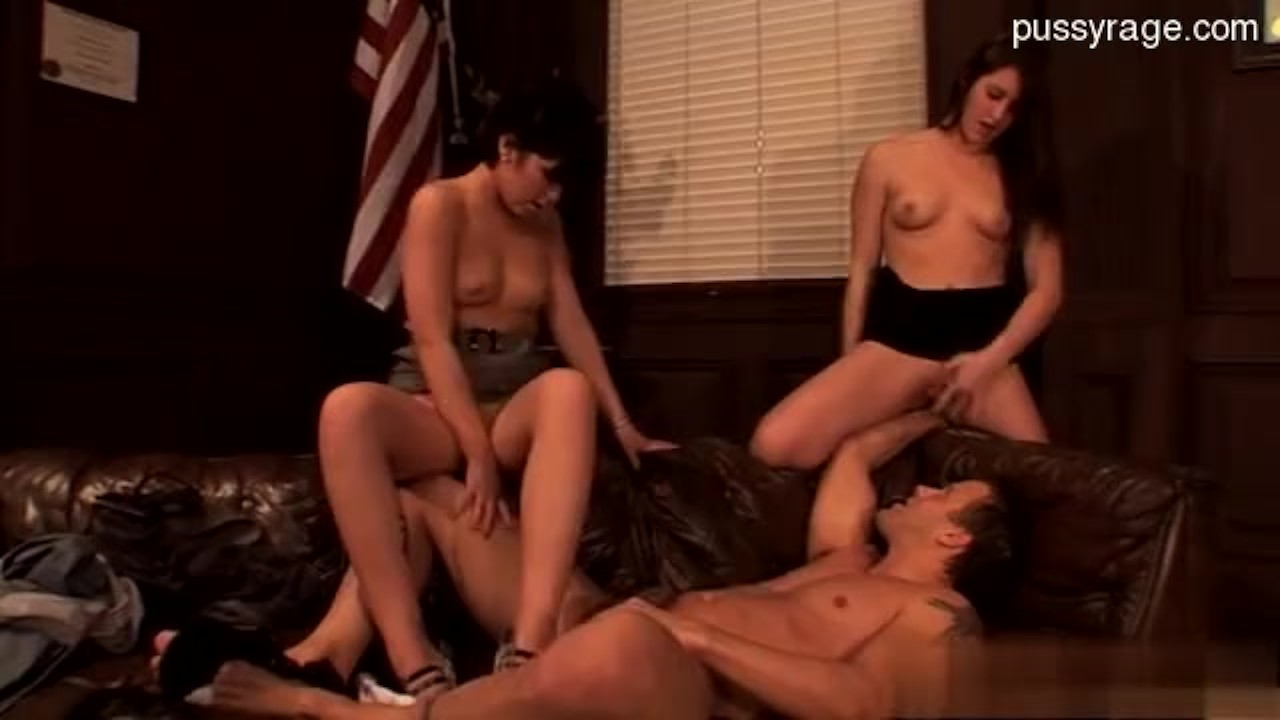 Marvelous High Definition : Busty wife   hard gang bang