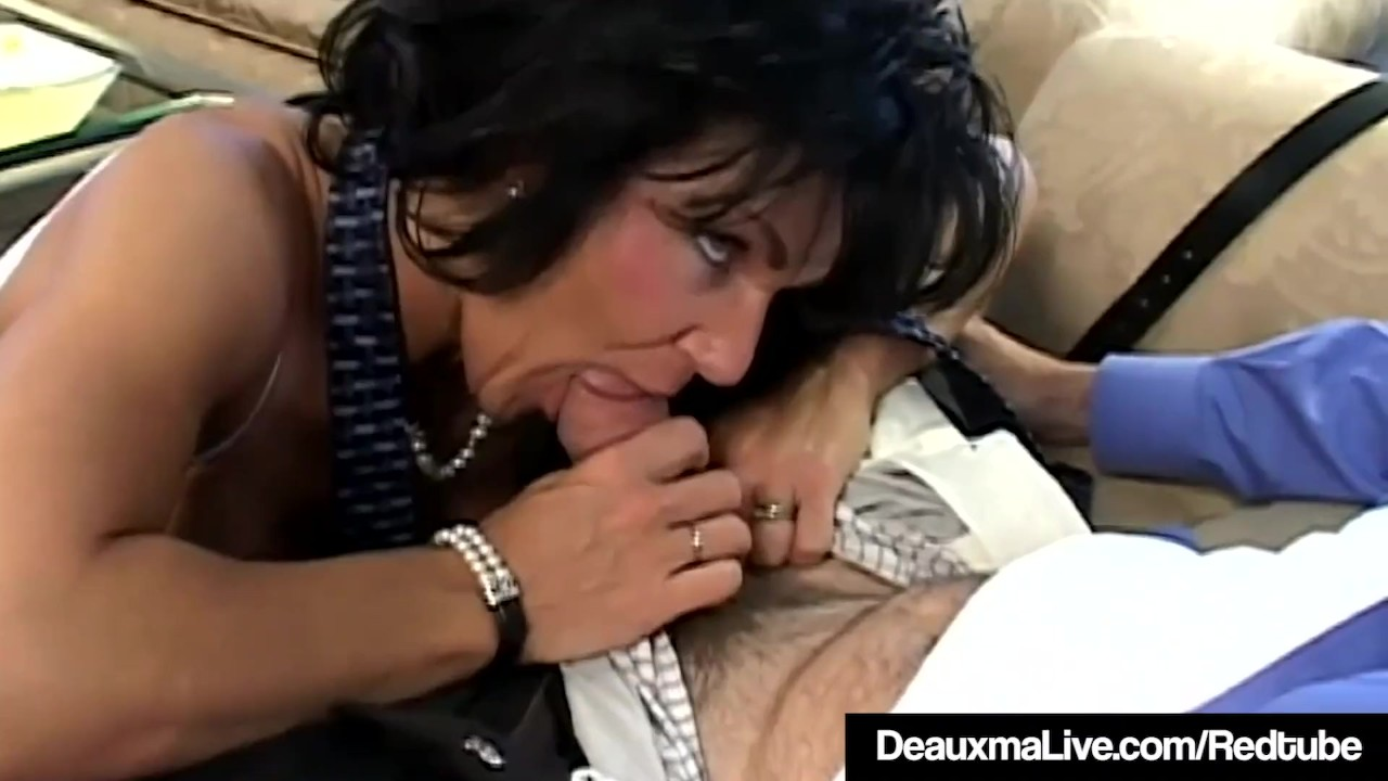Sensational Anal Hole : Texas Cougar Deauxma Is Anal Banged By A Fan!