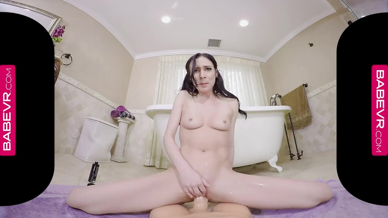 Awesome Teen Babe sex : BaBeVRcom Squirting Hottie Aiden Ashley Simulates Sex With You