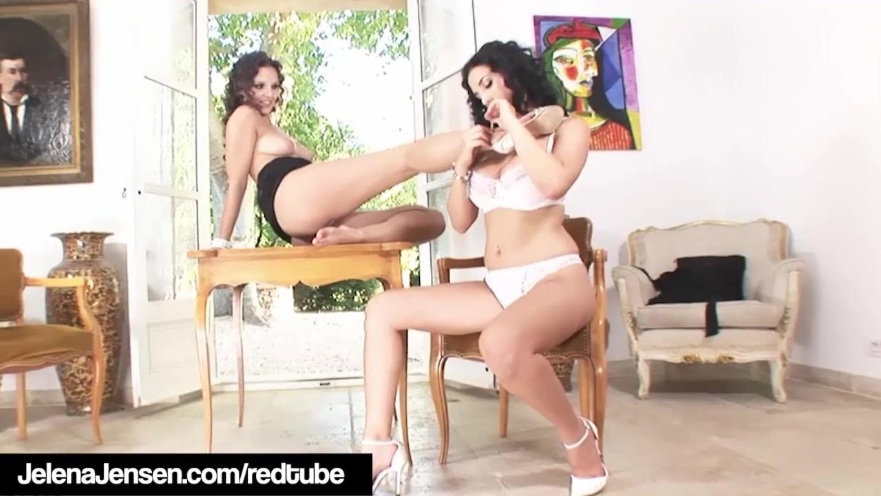 Tremendous Teens sex : Penthouse Pet Jelena Jensen & Eve Angel Worship Their Feet!