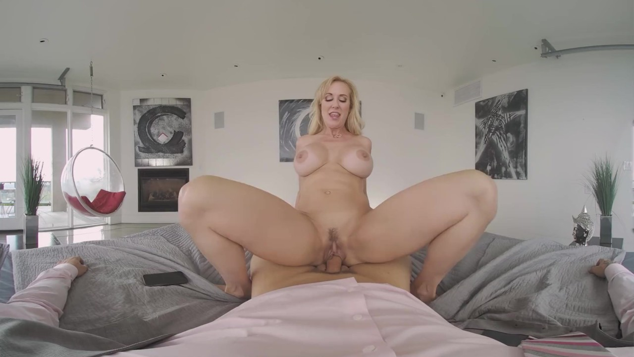 Amazing Teen porn : VRBangers Busty Milf Brandi Love Cheats On Her Husband For The First Time