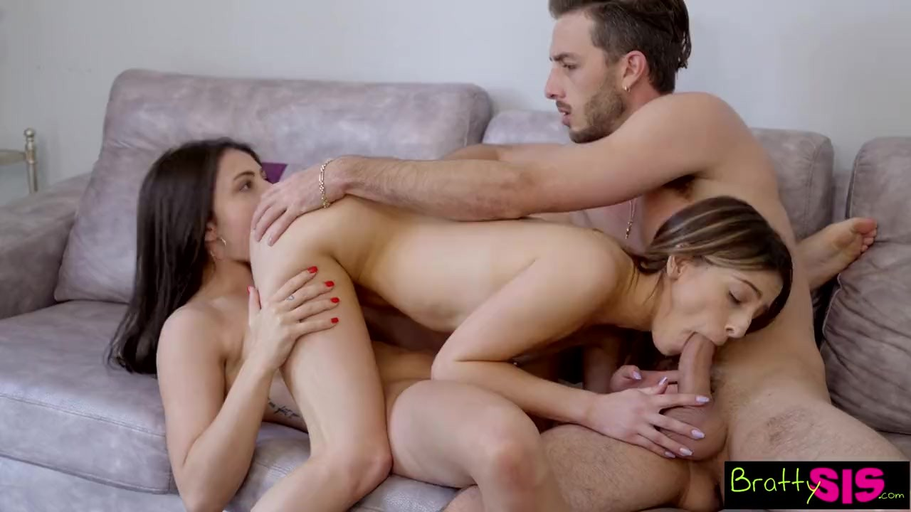 Amateur White Teen Threesome