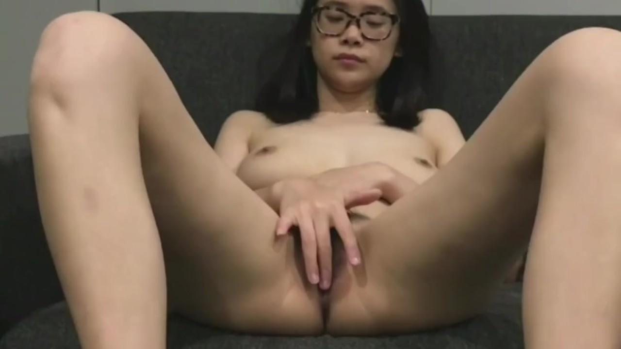Amateur Asian Gf Blowjob