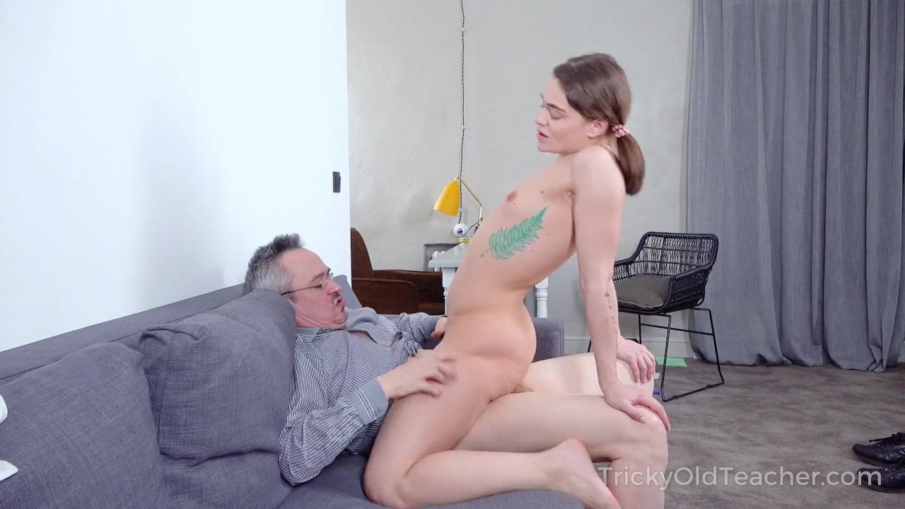 Superb Babes sex : Babe rewards old teacher with a crazy fuck action