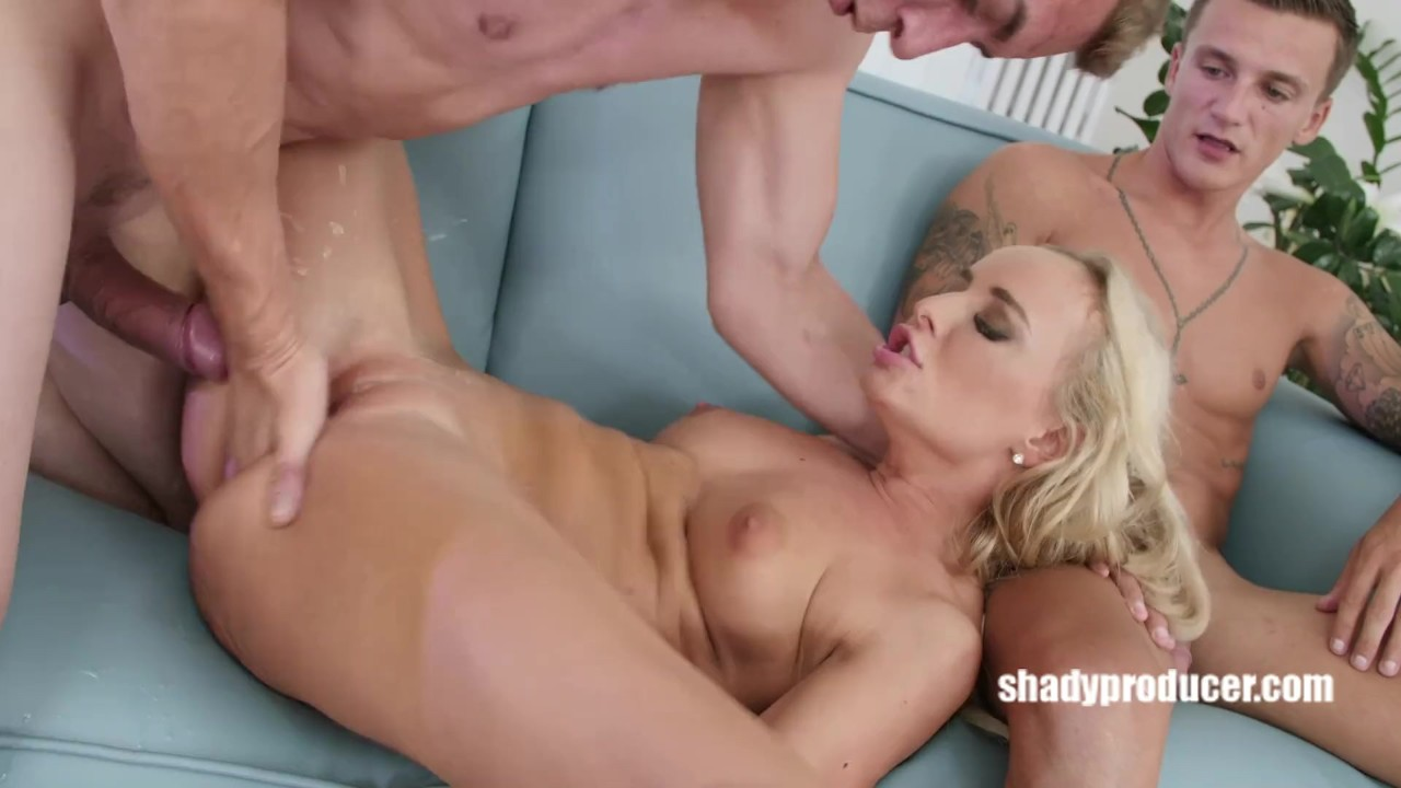 Fantastic Anal sex : ShadyProducer – Porn diva disregards her amateur bf and fucks with Steve Q