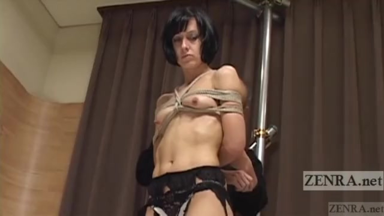 Awesome Teen : Subtitle Japanese nose BDSM with Elise Graves