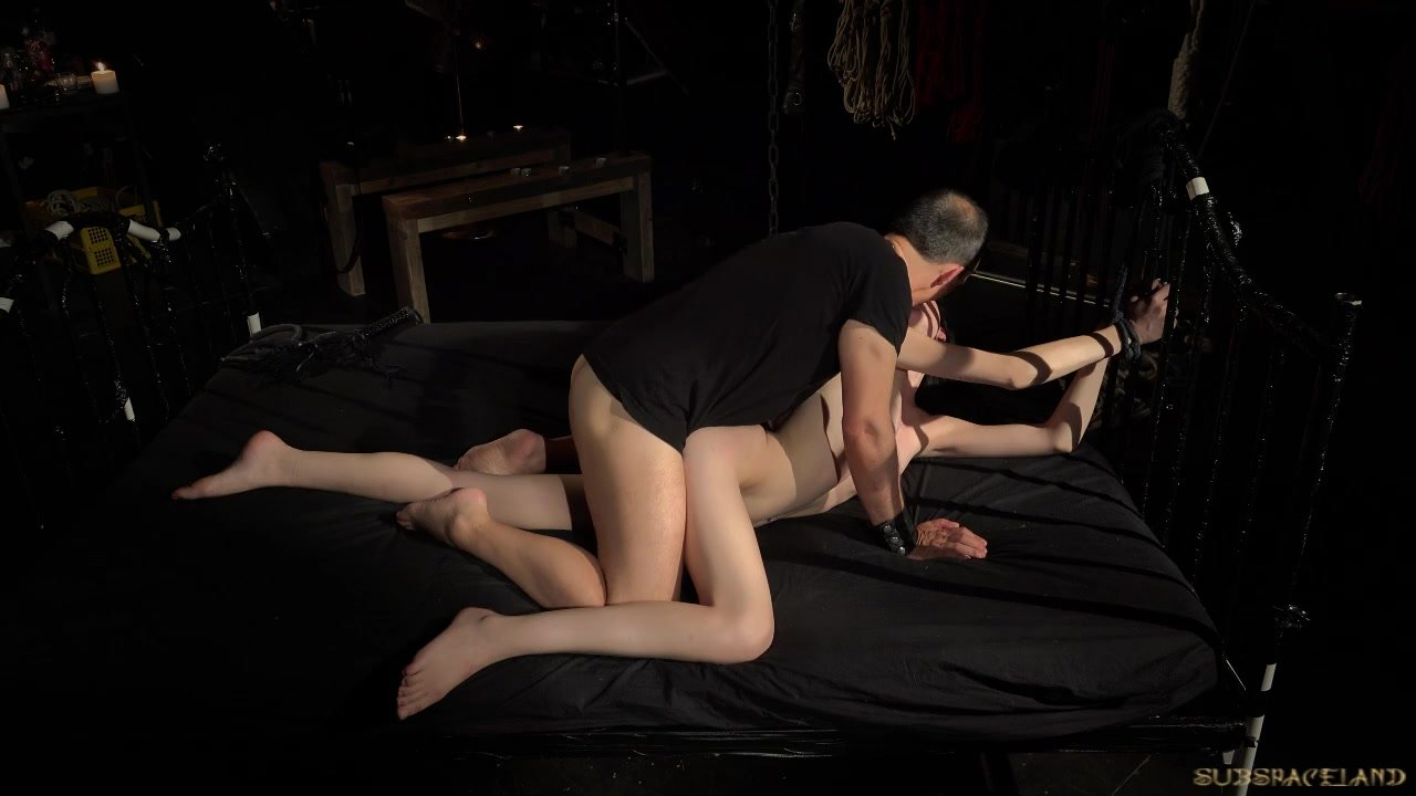 Sensational Teen Babe fuck : Caught in bondage pipes slave is roughly vibrator drilled