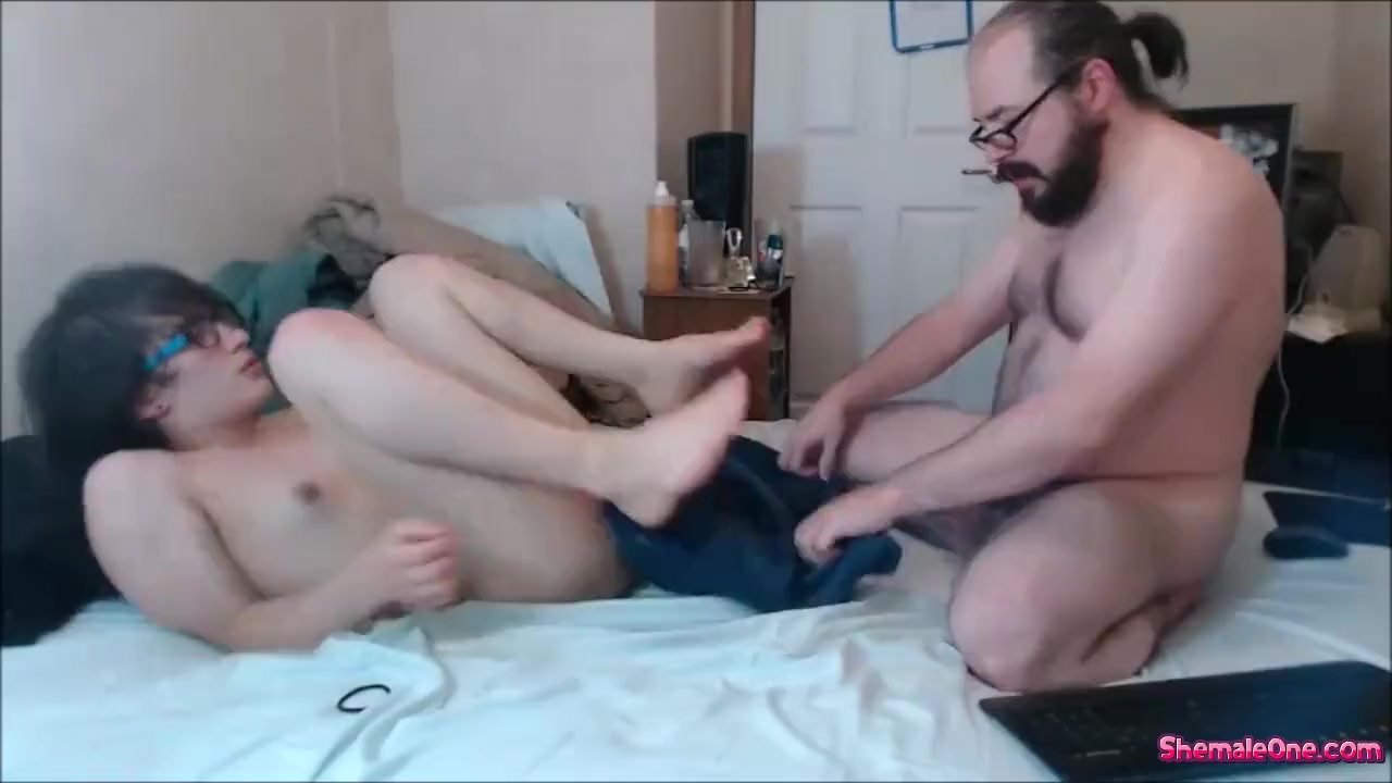 Phenomenal Anal fuck : Gorgeous Looking Teen Shemale Gets Her Ass Rearranged By A Guy