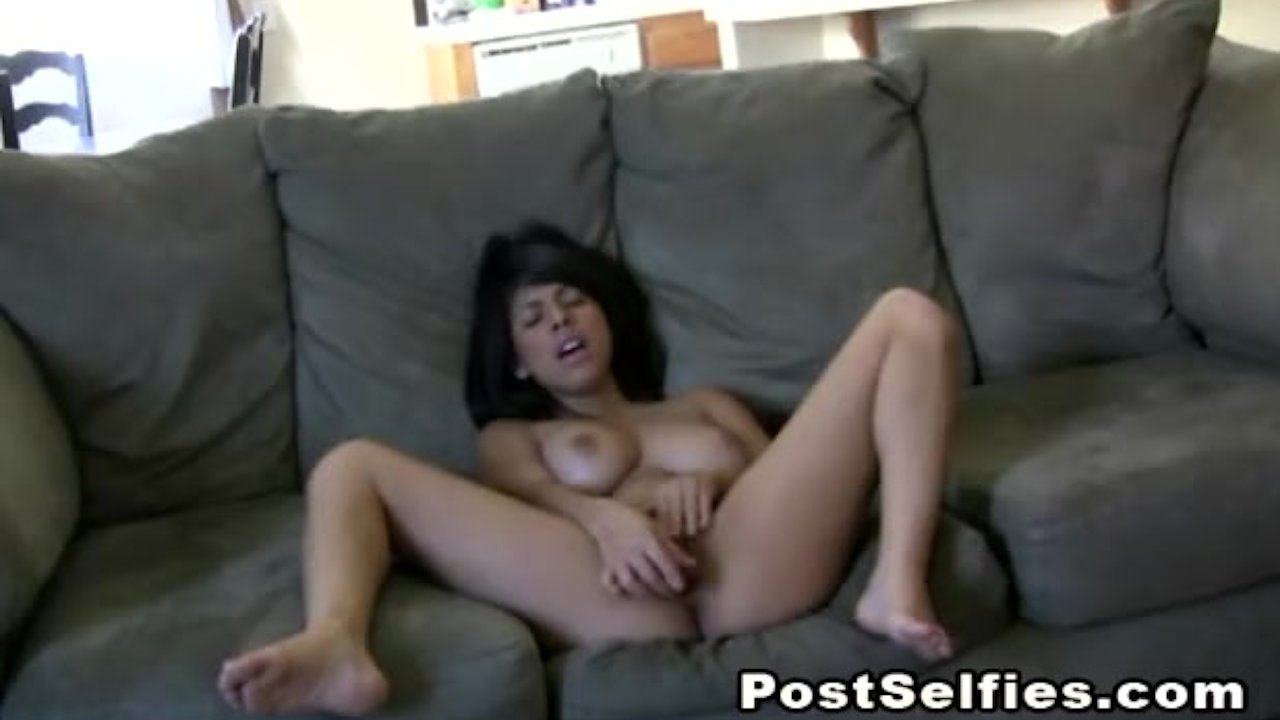 Remarkable Teen Babe : Hot Latina Beauty Layla Rose Toys Her Pussy
