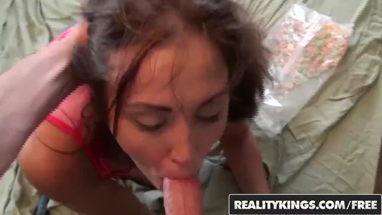 Remarkable Teen Babe sex : REALITY KINGS – Slutty GF Jenessa Price makes a homemade sextape